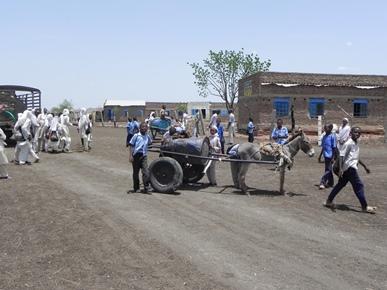 Bambini del del villaggio di Gad Am Belia Tirfa, una delle localita' d'intervento della CI