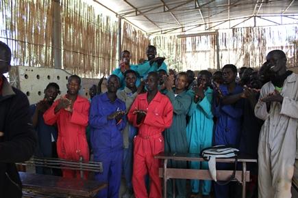 I giovani studenti del Centro Professionale in un momento di pausa