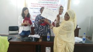 Distribution of certificates to participants in the workshop