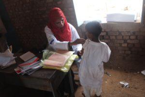 Un bambino durante l'esame
